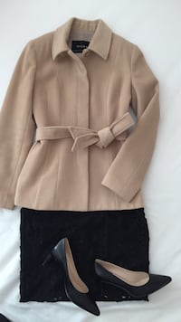 Coat xs or s size 0/ arizia, banana republic