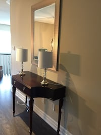 Bombay hallway console, mirror and 2 Chrystal lamps