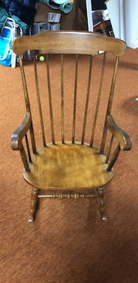 brown wooden windsor rocking chair Middletown, 21769