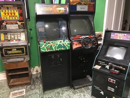 Looking for arcade and pinball Machines.