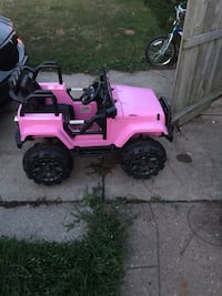 pink and black ride-on toy Cleveland, 44144