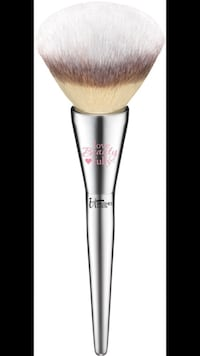 Brand new it cosmetics all over powder brush #211