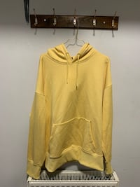 H&M yellow men's hoodie size M new  Birmingham, B42