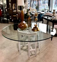 Round glass table | Table rond en verre