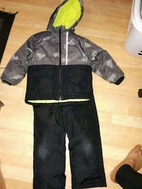 Guc Oshkosh snowsuit Harriston, N0G 1Z0