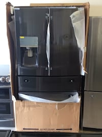 Brand new Samsung black four-door stainless steel refrigerator Fort Myers, 33907
