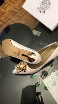 VERSACE white Italian brand new shoes size9 in Versace store is 1400 plus tax But I asked only 250 cash Toronto, M6A 3A8