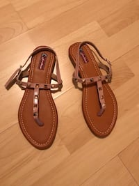 pair of brown leather thong sandals Brossard, J4W 3L2
