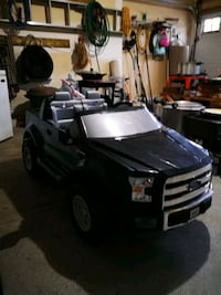 Ford f150 ride on toy.   Excellent condition