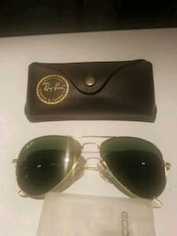 black framed Ray-Ban sunglasses with case Surrey, V3W