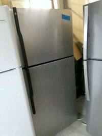 Top and bottom refrigerator excellent condition wo Baltimore, 21223