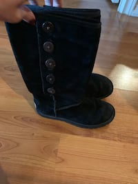 Ugg suede boots, size 5 Vaughan, L6A