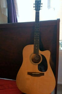 Guitar with case brand new  Alexandria, 22311