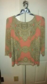 red and gray scoop-neck long-sleeved shirt Warner Robins, 31093