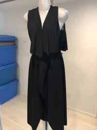 Black sleeveless overcoat  Toronto, M5B