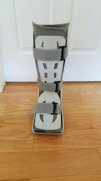 Aircast for fractured or broken foot or leg Markham, L3R 5H3