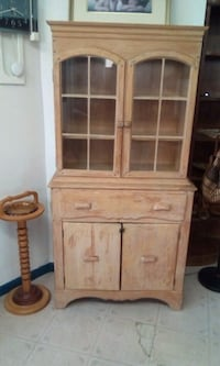 brown wooden framed glass display cabinet Longueuil, J4H 2V3