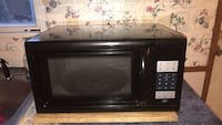 Microwave very good condition asking 35 for it Laurel, 39440