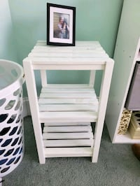 Wooden side table Mint Hill, 28227