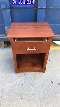 Brown wooden single-drawer end table New York, 11370