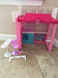Small Barbie doll house/ $10 in good condition  Lake Elsinore, 92530