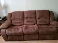 Reclining sofa and loveseat  Angus, L0M 1B2