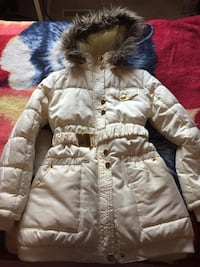 Girls coat size 12 . Great condition.Pet smoke free home. Oakville, L6H