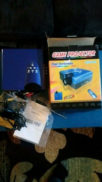 Game projector with remote Hagerstown, 21740
