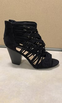 Shoes - black strappy block heel sandal Size 9- NEVER BEEN WORN Villa Park, 60181