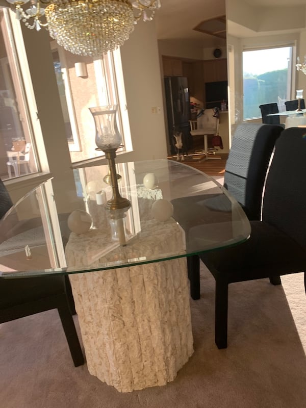 Glass table with Stone Base and Four chairs, 2 piece base 58139386-7c17-451d-bdaf-82d713858ee5
