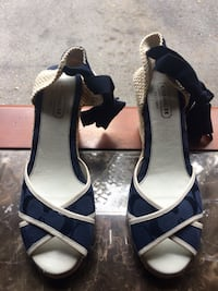 Coach Wedges Mississauga, L4W 4X4