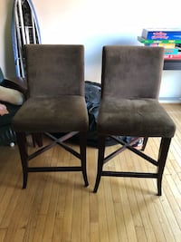 Set of two brown chairs