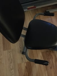 machine fitness padded rolling armchair good condition