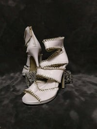 pair of white leather open-toe heeled sandals Erie, 16509