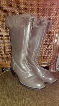 Warm winter boots, size 6-7