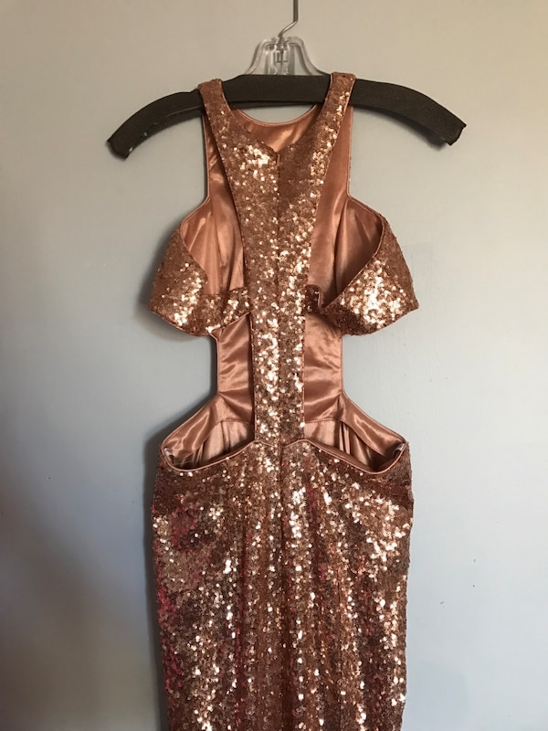Gold sequin crew neck sleeveless prom dress 99efab05-2442-41c8-830d-47f4ec53bfd6