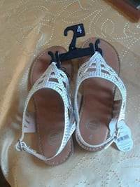 pair of gray-and-brown sandals Cottonwood, 96022