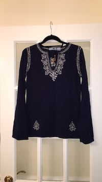 NWOT Mudd Navy Embroidered Sweater w/ Bell Sleeves 53 km