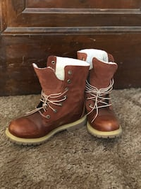 Boots Canton, 44702