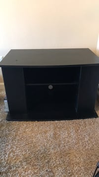 TV stand. Fits 32in tv  Lakewood, 80215