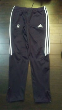 Mens medium adidas soccer pants  Edmonton, T5E