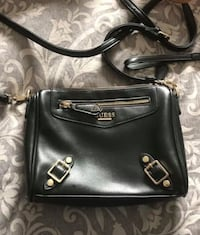 Guess crossbody London, N6A 6K4