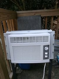 white window type air conditioner Knoxville, 37918