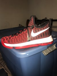 Nike KD basketball shoes  Whittier, 90602