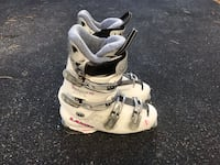 Ski boots - womans size 9 Springfield, 22152