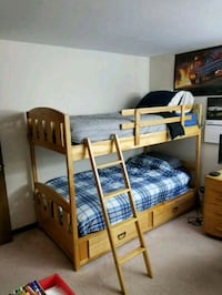 Twin bunk bed Rochester Hills, 48309
