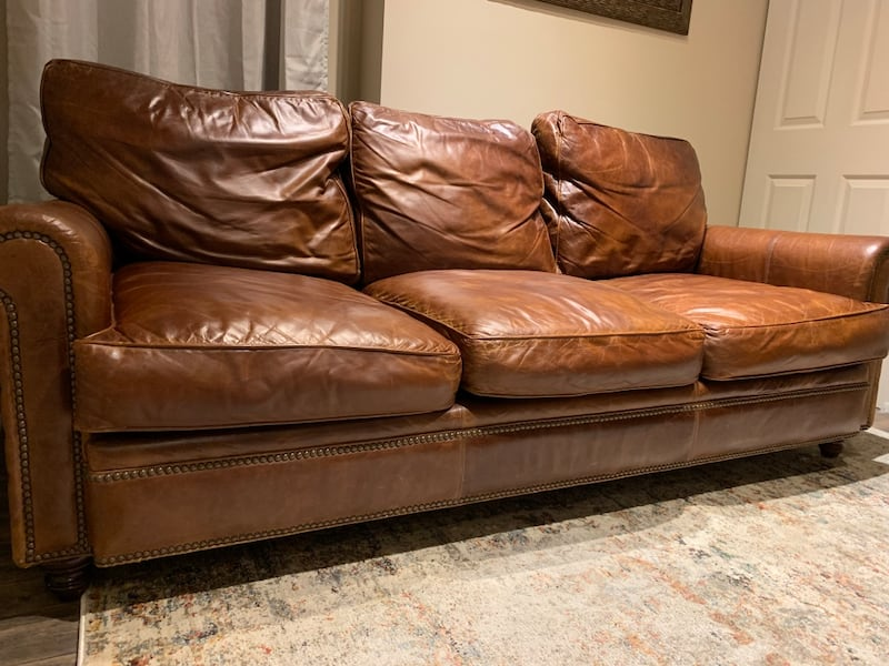 Beautiful Handmade Leather Couch 36559e99-04af-46b7-95a1-70faf5cd7507
