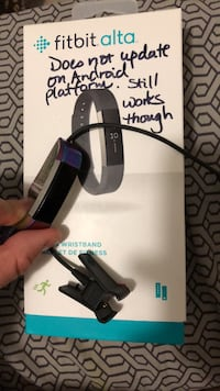 Fitbit Alta with charging USB. (Original price $160) Mississauga, L5V 3A8
