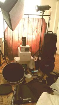 Complete photography studio setup with travel case Newmarket, L3Y 8K7