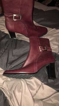 Lord & taylor leather heel boot Everett, 02149